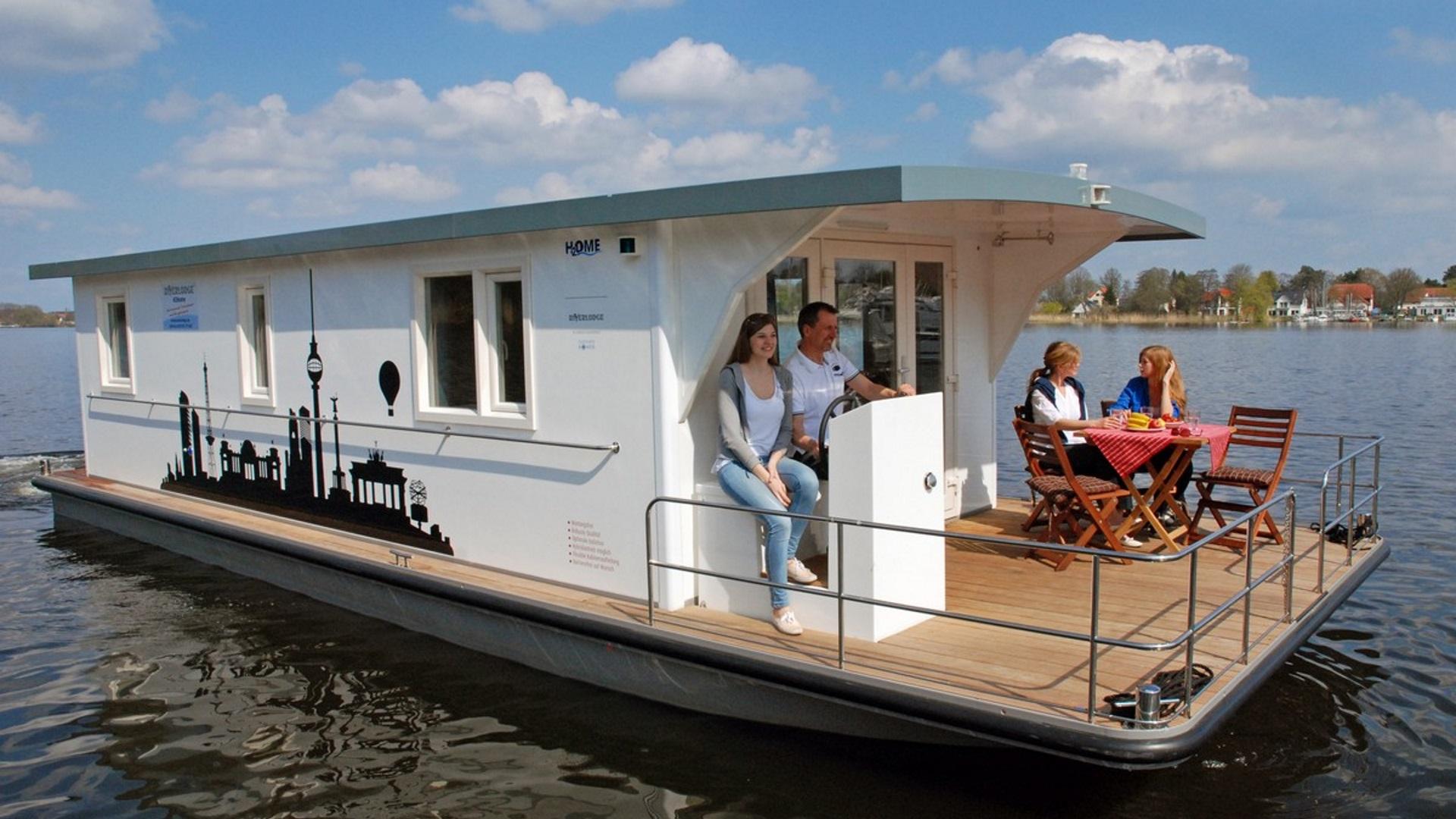 Mv hausboot mecklenburgische seenplatte mit dem hausboot for Klassisches hausboot mieten