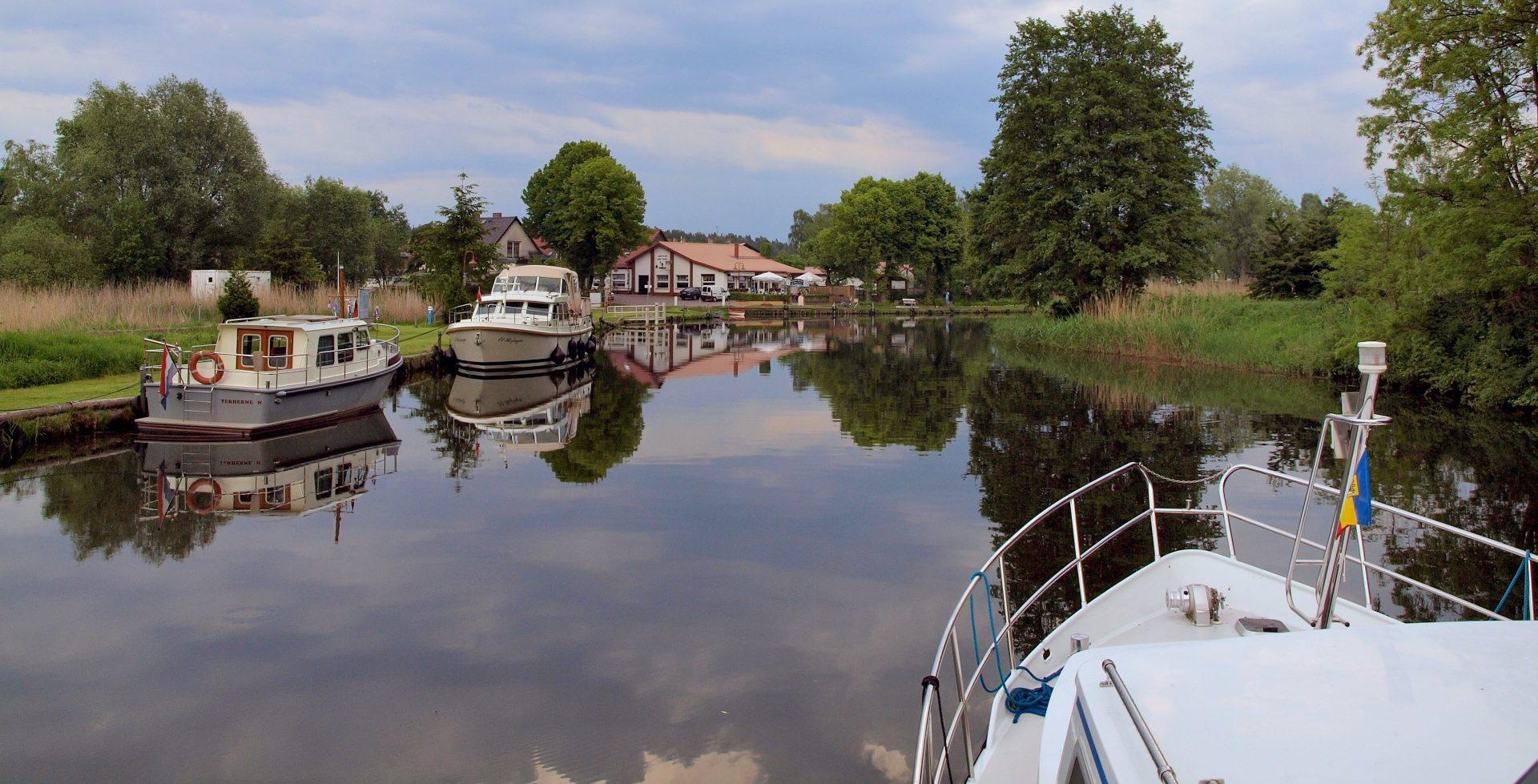 Ruppiner Seenland - Hausbootfahren ohne Bootsführerschein