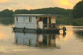MV Hausboot Sabine - Riverlodge H2Home